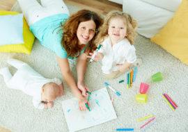 babysitter-with-kids